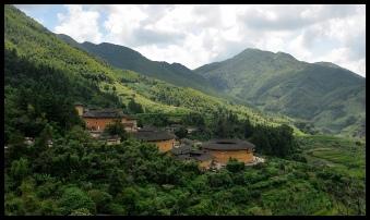 Tulou_exterior_hills