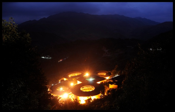 Tulou_night
