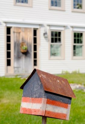 Flag_birdhouse