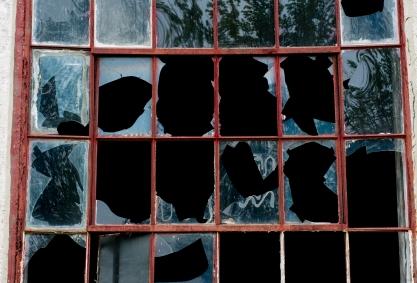 Belfast_Broken_Pane